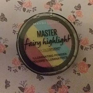 Brand new Maybelline rainbow 🌈 highlighter!